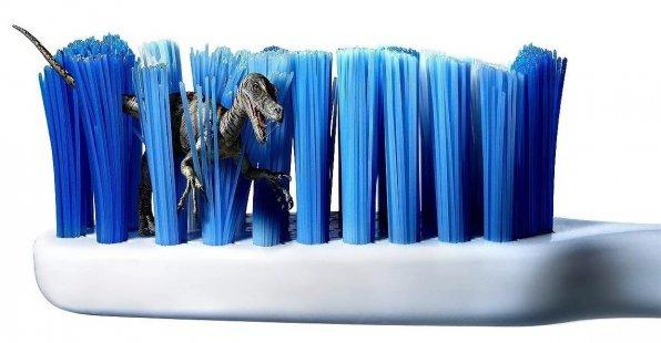 зубная щетка для чистки аквариума